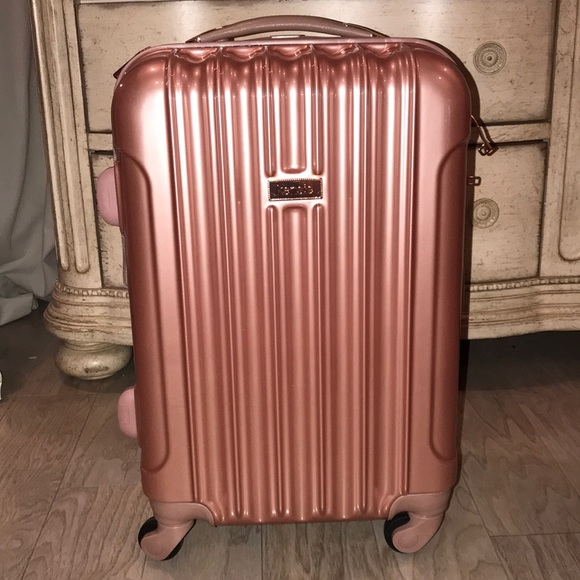 20 inch Kenzie rose gold rolling carry on 5ef4114f29